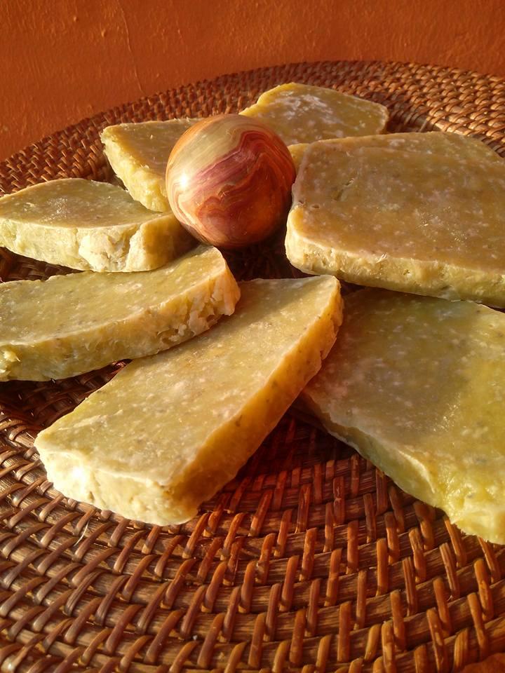 Jabón de aloe y arcilla verde, piel grasa, acné. 4
